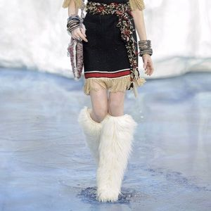CHANEL Boots Fur Runway Size 35